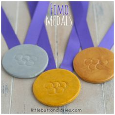 Kids Project: Make Your Own Fimo Medals - Little Button Diaries Olympic Gold Medals, Hobbies And Crafts, Lps, Projects For Kids, Party Games, Make Your Own, Activities, Dark, Summer