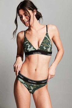 f72e6032fdf Calvin Klein - Tanga moderne camouflage en coton Urban Style Outfits