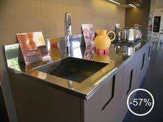 cucina carr ernestomeda laccato opaco flatt matt camoscio piano in acciaiao inox planoutlets