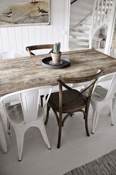 farmhouse dining room The best Dining Room Lighting Ideas Contemporary Lamps for a Modern Dining Room Decor Farmhouse Dining Room Table, Dining Chairs, Dining Table, Wood Chairs, Kitchen Tables, Dining Rooms, Table Design, Dining Room Design, Design Kitchen