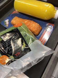 AIP on the go - AIP4life Smoked Salmon, Food Preparation, Smoothies, Avocado, To Go, Fruit, Eat, Smoothie, Lawyer