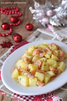Apple Salad with a Creamy Yogurt & Pudding Dressing: A quick dessert or side dish idea, full of fruit that's easy to make for a potluck & to keep on hand. Pollo Tandoori, Apple Salad, Fruit Salad Recipes, Food Humor, Easter Recipes, Light Recipes, Potato Recipes, Finger Foods, Food Inspiration