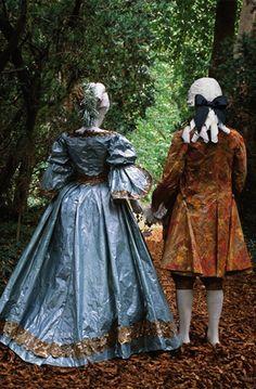 18th Century Paper costumes by Isabelle de Borchgrave.