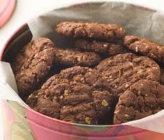 Chocolate Anzacs: A great way to enjoy an old favourite - Anzac biscuits with rich chocolate flavour. http://www.bakers-corner.com.au/recipes/cookies/oatmeal/chocolate-anzacs/