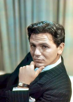 John Garfield a great actor, love this photo of him.