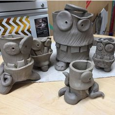 Using a slab technique, students will create clay monsters using cylinders. : Using a slab technique, students will create clay monsters using cylinders. Clay Projects For Kids, Kids Clay, School Art Projects, 3d Art Projects, Ceramic Monsters, Clay Monsters, Sculptures Céramiques, Sculpture Clay, Toy Art