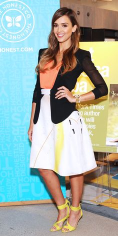 shop Jessica Alba's adorable outfit!
