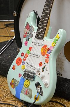 Music Aesthetic, Retro Aesthetic, You Are My Moon, Images Esthétiques, Cool Electric Guitars, Indie Room, Guitar Design, Cool Guitar, Guitar Art