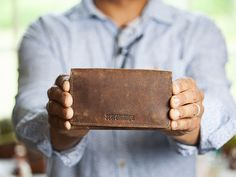 A tri-fold leather wallet, perfect idea for Father's Day gifts. Unique Gifts For Men, Unique Presents, Leather Gifts, Leather Wallet, Tri Fold, Gifts For Father, Leather Accessories, Vintage Gifts, Purse Wallet