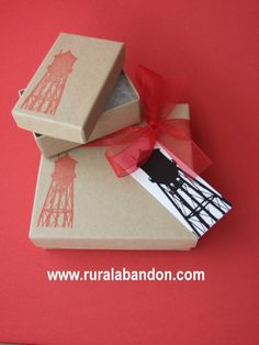 Jewelry Packaging/Presentation Verkäufer-How-To: Verpackungsideen Red Balloon, Balloons, Plant Information, Small Space Gardening, Green Nails, Jewelry Packaging, Paper Gifts, Packaging Ideas, Diy Design