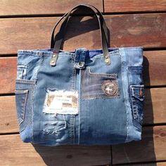 Grand sac cabas pièces en jeans et logos brodés : Sacs à main par les-damotes