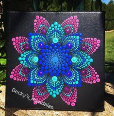 puntillismo Dot Art Painting, Mandala Painting, Painting Patterns, Stone Painting, Painting & Drawing, Mandala Design, Mandala Pattern, Mandala Painted Rocks, Mandala Rocks