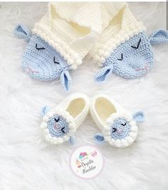 Diy Crafts Crochet, Cute Crochet, Crochet For Kids, Crochet Hats, Baby Knitting Patterns, Baby Patterns, Crochet Patterns, Crochet Crown, Crochet Baby Sandals