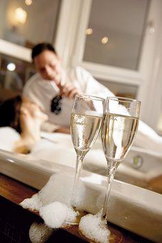 Impressionen Spa Hotel, White Wine, Alcoholic Drinks, Tableware, Glass, Food, Dinnerware, Drinkware, Tablewares