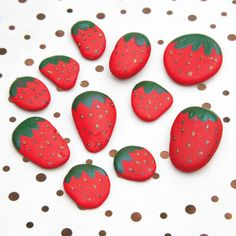 Throw A Garden Party With Strawberry Table Decorations prima.co.uk