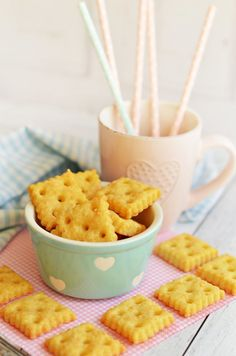 Biscuit Joinery: What It Is and How to Do It - Typical Miracle Types Of Snacks, Biscuit Joiner, Vegetable Chips, Afternoon Snacks, Macaroni And Cheese, Healthy Snacks, Biscuits, Snack Recipes, Food And Drink
