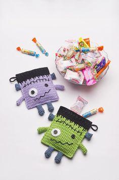 Frankenstein Candy Pouches free pattern by Anabelia Craft Design Crochet Pumpkin, Crochet Fall, Cute Crochet, Crochet Gratis, Crochet Toys, Crochet Storage, Crochet Things, Halloween Bags, Halloween Crafts