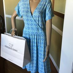 Summer vacation dress Soft and comfy love it  great travel dress Vineyard Vines Dresses Midi