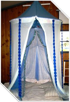 'Frozen' inspired hideaway party tent, to create a private nook for the kids. AVAILABLE FOR HIRE in Melbourne, Australia. Visit http://easybreezyparties.com.au/hire-and-supplies/party-hire.html for details #frozen #easybreezyparties