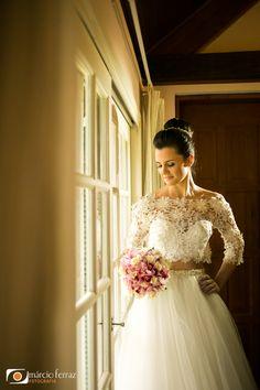 Cropped de renda com saia de tule = noiva linda !! by Virgínia Manssan #virginiamanssan #croppednoiva #cropped #tule #noivas #noiva