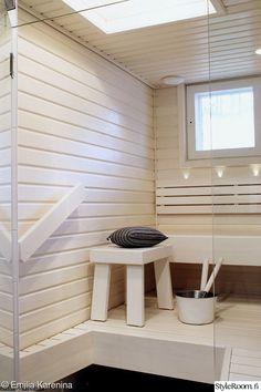 sauna,valkoinen,kattoikkuna,kylpyhuoneen muutos