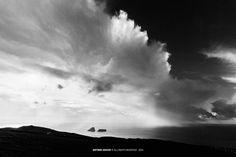 """""""azores magic ligth"""" ---------- Esta é a época pela a qual anseio todos os anos, para saborear a luz mágica de Outono, combinado com estes ambientes dramáticos, um dos meus temas de eleição, fico literalmente """"nas nuvens""""!  ———-  Terceira . Açores . 2014 2014 © António Araújo www.antonioaraujo.pt www.facebook.com/antonioaraujophotography"""