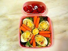 Spinach & artichoke deviled eggs from bentobloggy.com
