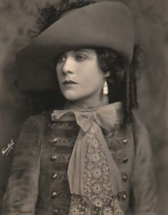 20s and 30s actress Virginia Valli by Jack Freulich