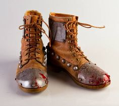 Post-Apocalyptic Barbarian Costume - boots Add metal to toes of boots Post Apocalyptic Clothing, Post Apocalyptic Costume, Post Apocalyptic Fashion, Apocalypse Fashion, Post Apocalypse, Gothic Steampunk, Steampunk Boots, Steampunk Necklace, Steampunk Clothing