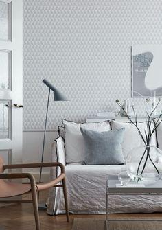 Would love this on my kiddo's room!  Graafinen tapetti tuo rytmiä sisustukseen - Etuovi.com Sisustus