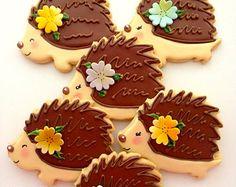 12 Vegan Hedgehog Sugar Cookies by CompassionateCake on Etsy Cookies Cupcake, Cookie Frosting, Fancy Cookies, Iced Cookies, Cute Cookies, Cupcakes, Royal Icing Cookies, Sugar Cookies, Hedgehog Cookies