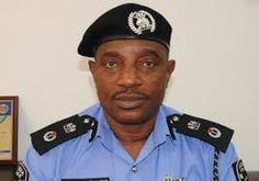 Police IG Presents Cheque Of N10m To Families Of Dead Officers #Africa #nigeria