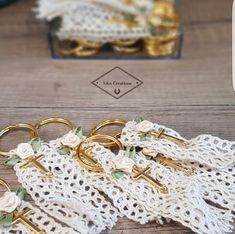 Diy Embroidery, Baby Party, Communion, Christening, Tassels, Crafts, Key Hangers, Handmade Crafts, Manualidades