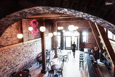 Le Petit Chaperon Rouge - tunnelmallinen viinibaari & bistro Bistro, Varanasi, Chandelier, Ceiling Lights, Lighting, Home Decor, Candelabra, Decoration Home, Light Fixtures
