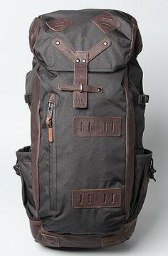 Vans The Washburn Backpack in Black for Menwant! Vans The Washburn Backpack in Black for Men Vans Backpack, Black Backpack, Backpack Bags, Mein Style, Mode Vintage, Travel Bags, Leather Bag, Fancy, Backpacks
