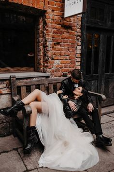 Punk Rock Wedding, Edgy Wedding, Wedding Goals, Wedding Pics, Dream Wedding, Wedding Dresses, Rocker Wedding, Wedding Photo Inspiration, Alternative Wedding