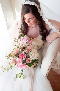 As the bride, you should have a beautiful bouquet! Don't you agree? From a tight posy to a loosely creative masterpiece, you should arrange yours to represent your big day!  We are ready to plan your wedding: http://www.rosepetalevent.com/  #wedding #bouquet #rosepetalevents  Photo Source: https://www.flickr.com/photos/125349110@N05/18640169094/