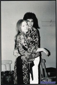 #Queen #FreddieMercury #Mary Austin