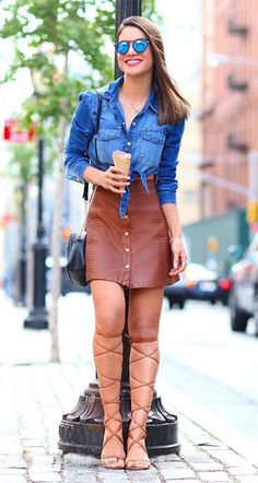 Camila Coelho Gladiators Denim Button Up Camel Leather Button Skirt Outfit Idea Love Fashion, Fashion Looks, Fashion Outfits, Womens Fashion, Fashion 2015, Fashion Design, Casual Chic Style, Casual Street Style, Spring Summer Fashion
