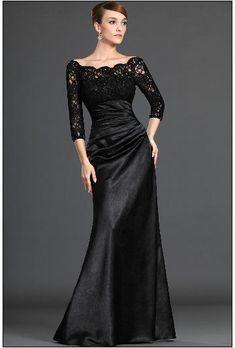 Маленькое черное платье для женщин за 50 лет