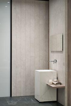 Infinitas posibilidades del porcelánico de gran formato XLIGHT de URBATEK en la XXIV Muestra Internacional de #Arquitectura Global & #Diseño Interior de #PORCELANOSA Grupo. - #PorcelanosaExhibition #Design #Interiorism #Architecture #Interiorismo #Tiles #porcelain #porcelánico #Crafts #Ceramic #Floor #Wall #Decor #Bathroom #Baño #Marble #Marmol #Countertop #Worktop #Minimal #Luxury #Wood