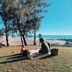 Perfect saturday weather, perfect company, perfect picnic 🧺🌞  via nativeofthesea  @queensland  #theoutdoorconnection #campingaustralia #exploreaustralia #weareexplorers #offroad #4x4 #campinggoals #camperlifestyle #campingadventures #stargazing #tent #campsite #campingwithdogs #tentdiaries #australian_vacations #beautifuldestinations #seeaustralia #explore #adventures #beautiful_world #travel #solotraveller #travelphotography #traveller #wander #offthebeatentrack #dogsofinstagram