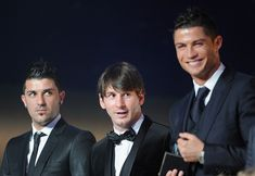 David Villa of Spain, Lionel Messi of Argentina and Cristiano Ronaldo of Portugal at the FIFA Ballon d'Or Gala 2010 t the congress hall on January 2011 in Zurich, Switzerland. Erstklassige Nachrichtenbilder in hoher Auflösung bei Getty Images Cristiano Ronaldo 7, Messi Vs Ronaldo, Messi 10, Lionel Messi, Stuart Franklin, Cr7 Junior, David Villa, Real Madrid Players, Ballon D'or