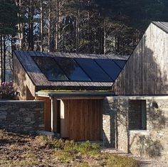HaysomWardMiller - Self Sufficient House Contemporary Barn, Contemporary Architecture, Architecture Design, Grand Designs Houses, Sips Panels, Timber Roof, Agricultural Buildings, Bothy, Small Buildings