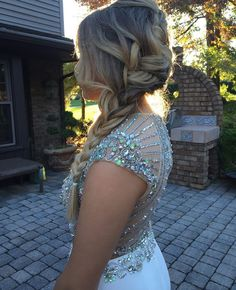 beautiful side braid for homecoming or prom . beautiful side b Big Box Braids Hairstyles, Prom Hairstyles For Short Hair, Dance Hairstyles, Homecoming Hairstyles, Formal Hairstyles, Straight Hairstyles, Braided Hairstyles, Wedding Hairstyles, Teenage Hairstyles