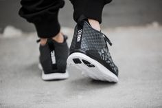 The Nike Free Hypervenom 2 Men's Shoe is made with flex grooves to help your foot move naturally. Its lightweight combination upper gives you incredible comfort and durable support.