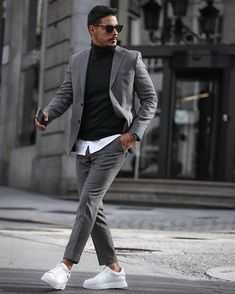 Grey Chinos Men, Chinos Men Outfit, Grey Suit Men, Men Shorts, Khaki Pants, Mens Casual Suits, Mens Fashion Suits, Men's Business Outfits, Office Outfits