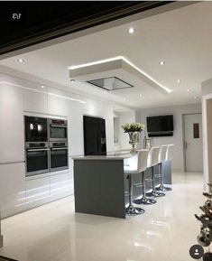 Amazing Modern and Contemporary Kitchen Cabinets Design Ideas - Kitchen Design Ideas - Luxury Kitchen Design, Kitchen Room Design, Kitchen Cabinet Design, Luxury Kitchens, Home Decor Kitchen, Kitchen Interior, Kitchen Ideas, Kitchen Hardware, Dream Kitchens