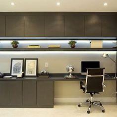 Por outro ângulo... Projeto lindo da arquiteta Monise Rosa.  Para quem trabalha em casa uma ótima sugestão de Home Office. #arquitetura #architecture #homeoffice #interiores #interiordesign #design #decor #inspiração #homedecor
