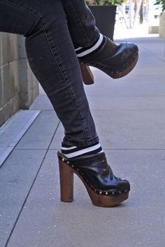 Chanel Clogs, Socks and Skinny Jeans? Clogs Outfit, Clogs Shoes, Mules Shoes, Nike Acg, What I Wore, Winter Outfits, High Heels, Chanel, Socks